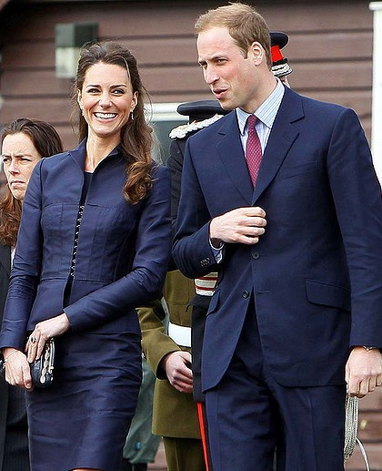 kate middleton wedding dress designer. Kate Middleton Wedding Dress