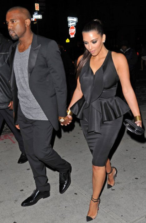 kim kardashian dating kanye west But it all changed when she started dating kanye in 2012 you all remember that episode of keeping up with the kardashians where kanye sends his stylist to give kim's closet a major makeover, right if not, you can watch it here tap to play gif tap to play gif share on facebook share on pinterest.