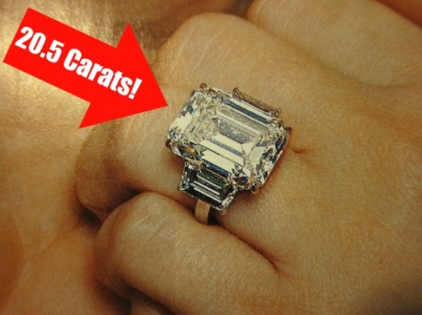 Kim Kardashian Engagement Ring 205 Carat Lorraine Schwartz diamond