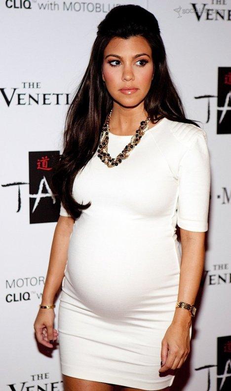 kourtney kardashian pregnant again mydochub mom