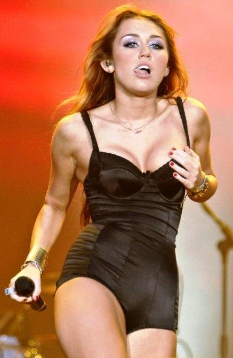Miley Cyrus Plastic Surgery Breast Implants
